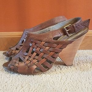 Brown Leather Triangle Wood Heel Pumps
